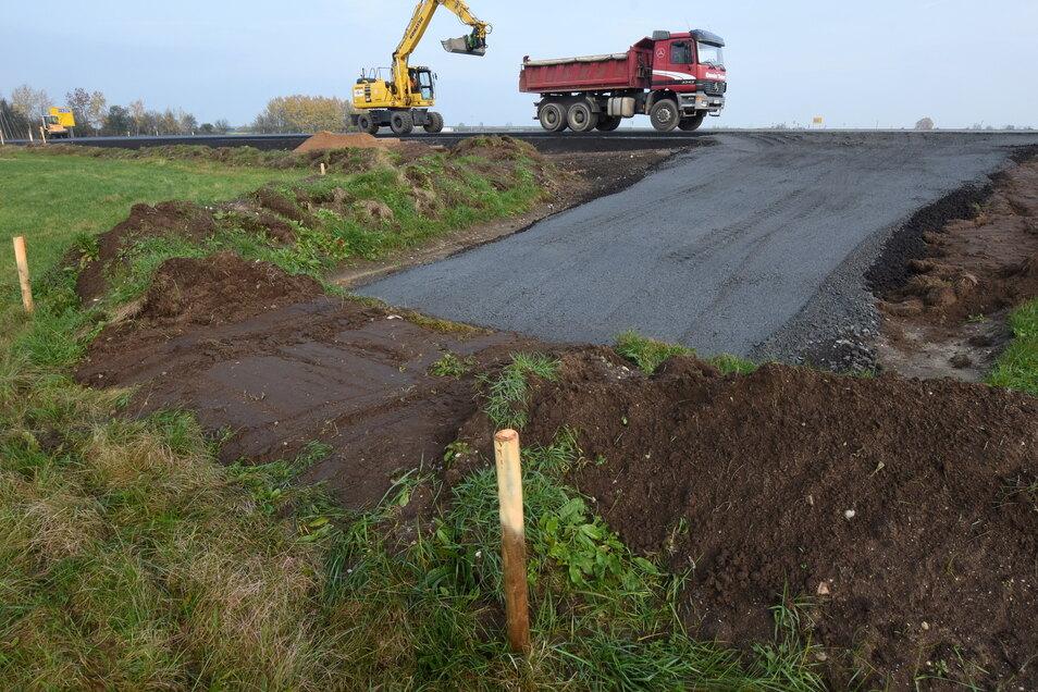 2017/2018 wurde die Staatsstraße S91 neu gebaut. Die jetzigen Arbeiten gehören da noch dazu. .