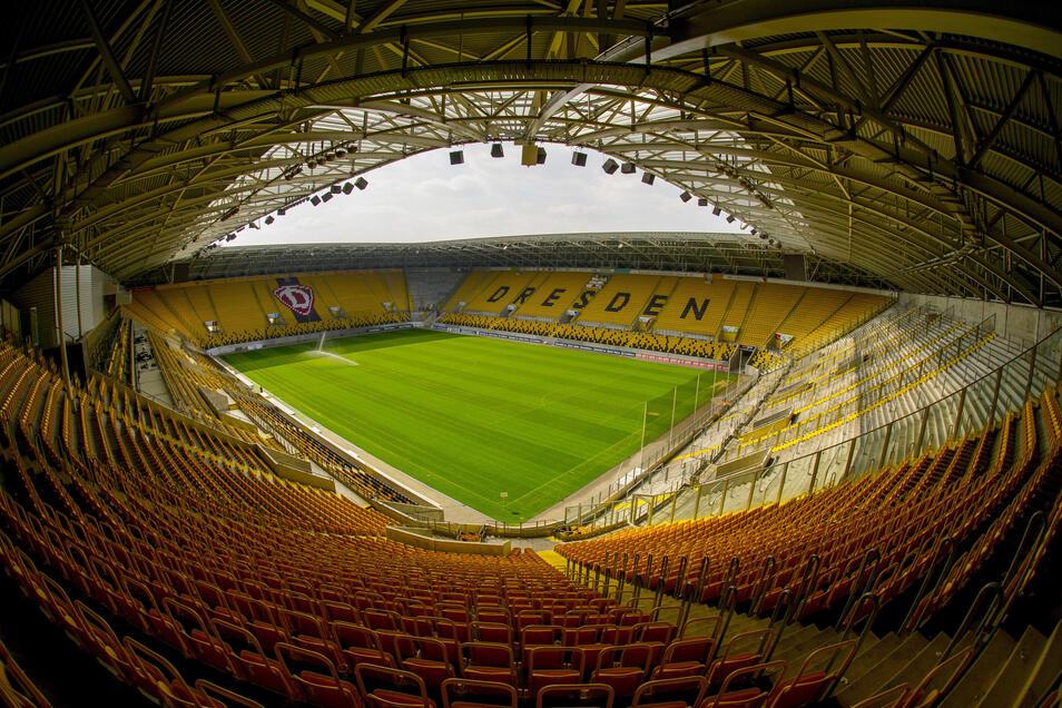 Eigentlich galt das Dresdner Stadion immer als zu klein für Länderspiele. Das könnte sich nun ändern.