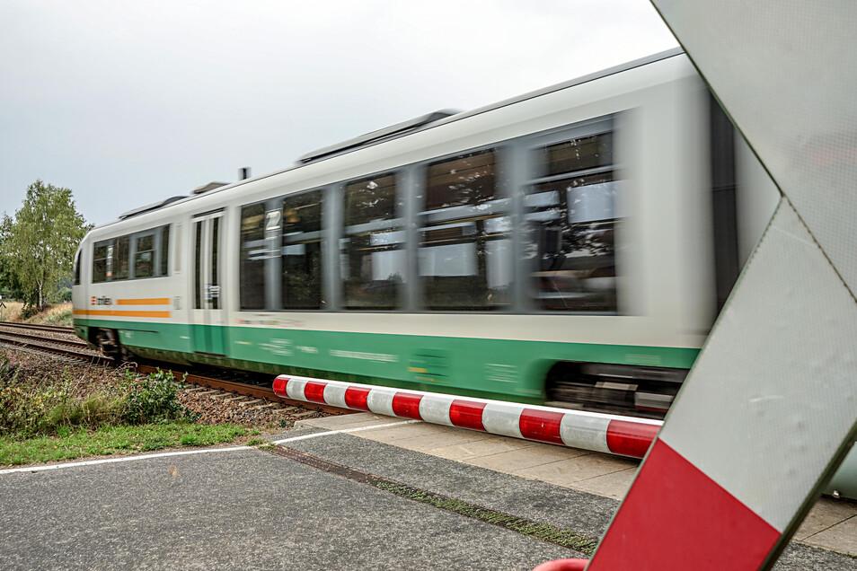Die Elektrifizierung der Bahnstrecke Dresden-Görlitz hat eine weitere Hürde genommen.