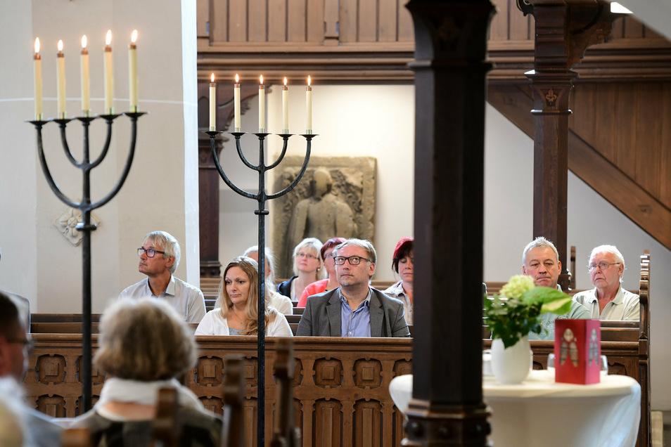 Zur Wiederinbetriebnahme der Frauenkirche waren überwiegend Menschen eingeladen die in die umfangreichen Arbeiten involviert waren.