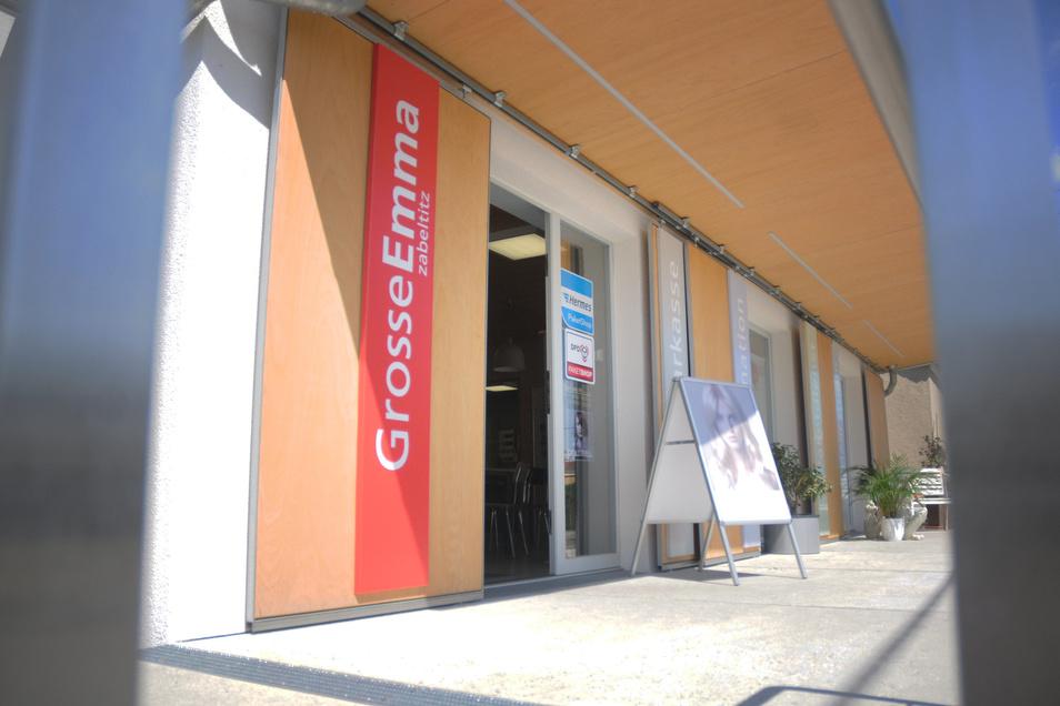 In diesem Gebäude befindet sich die Sparkassen-Beratung, die im Juni 2015 überfallen wurde.