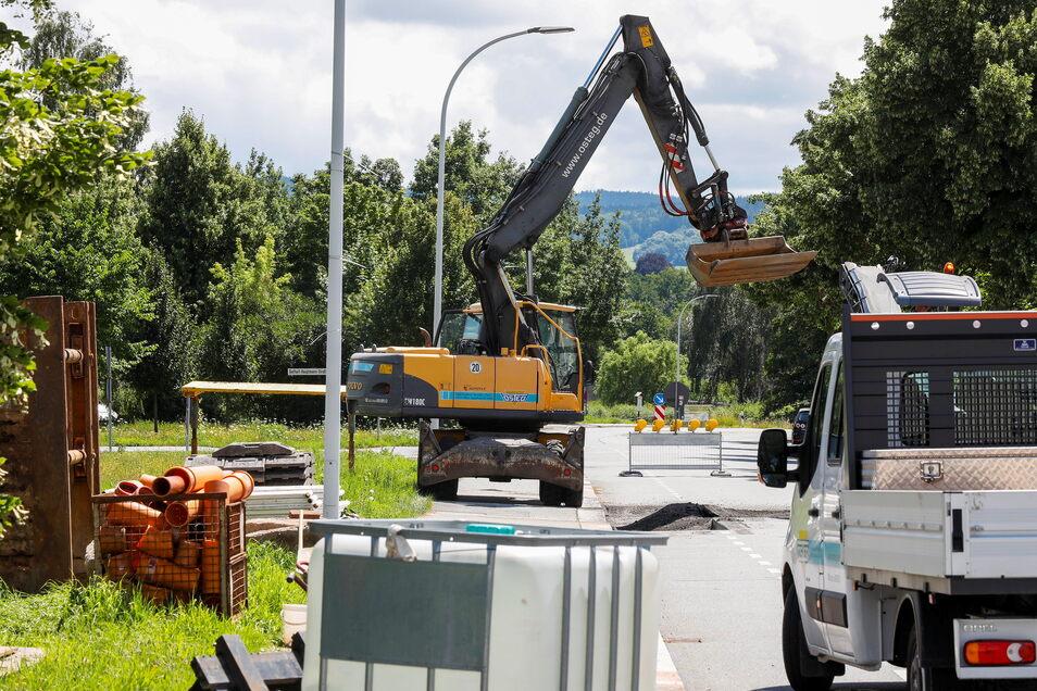 An der Zittauer Südstraße haben Bauarbeiter mit der Erschließung des neuen Eigenheimstandortes begonnen.