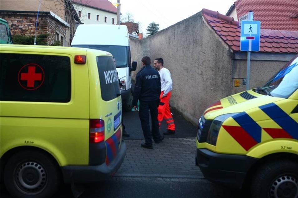 Ein besonders tragischer Unfall ereignete sich am Montagnachmittag in BautzenEin 56-jähriger Transporterfahrer ist am Montagnachmittag in Bautzen von seinem eigenen Fahrzeug eingeklemmt und tödlich verletzt worden.