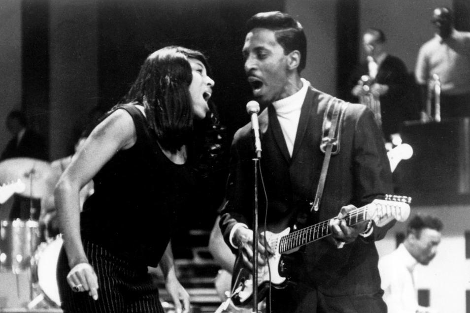 """Tina und Ike Turnerstürmten 1960 mit ihrer ersten Single """"Fool in Love"""" die Hitparaden."""