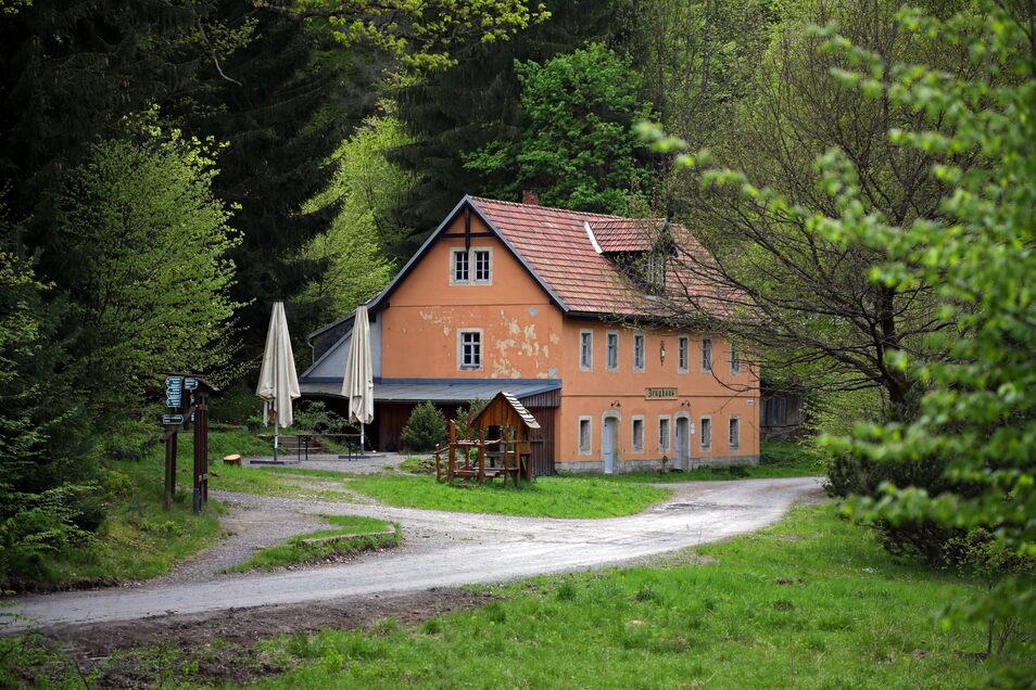 Zeughaus im Großen Zschand: Alle Bergbauden seien erreichbar, erklärt der Nationalpark Sächsische Schweiz.