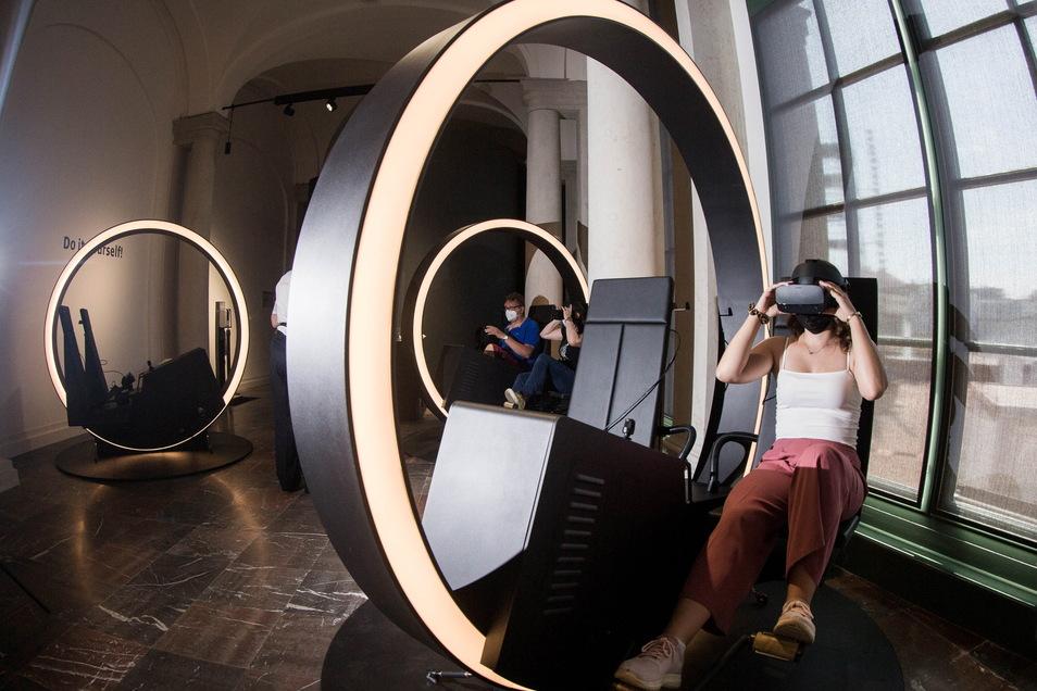 Wer strampelt, sieht mehr: Die VR-Brille ermöglicht eine bewegte Zeitreise durch die Baugeshcichte des Dresdner Zwingers.