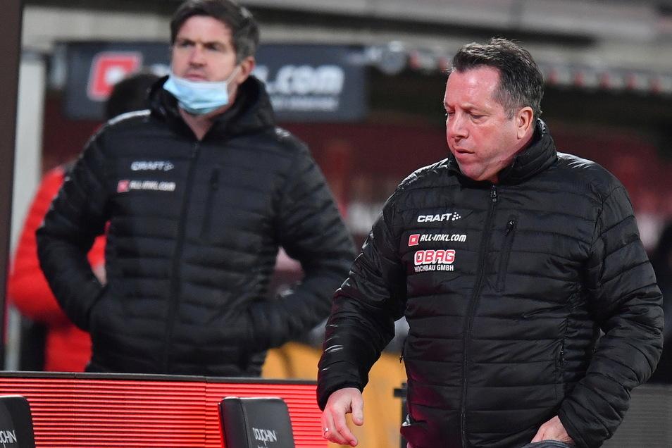Sportgeschäftsführer Ralf Becker und Trainer Markus Kauczinski (r.) haben das Thema Vertragsverlängerung vertagt.