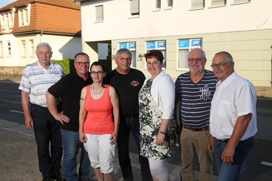 Mit sieben Sitzen hat die AfD nur einen weniger als die CDU. Das sind die neuen Stadträte (v.l.n.r.): Gottfried Reichelt, Holger Saft, Annett Schön, Volker Barthel, Ute Blosfeld, Roland Günther und Joachim Wittenbecher.