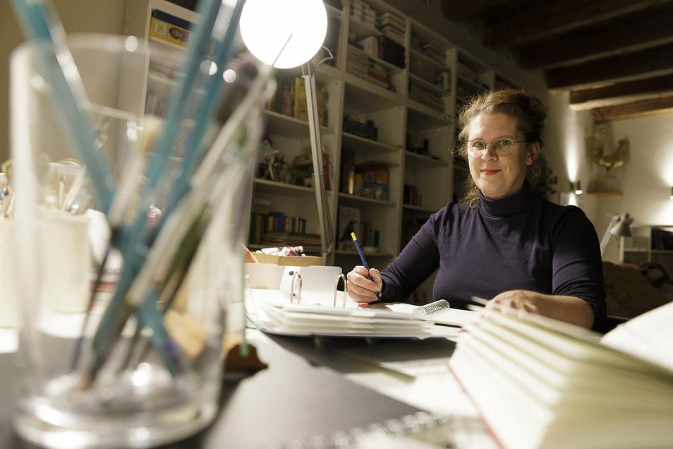 Sabine Euler kam 2002 nach Görlitz. Sie arbeitet als freie Autorin. In der Coronakrise griff sie wieder zu Stift und Papier.