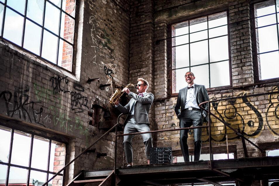 Stilvoll und modern: Das Duo Kenduro & Schoof spielt bei der After Work-Party am 9. September in der Dresdner QF-Passage.