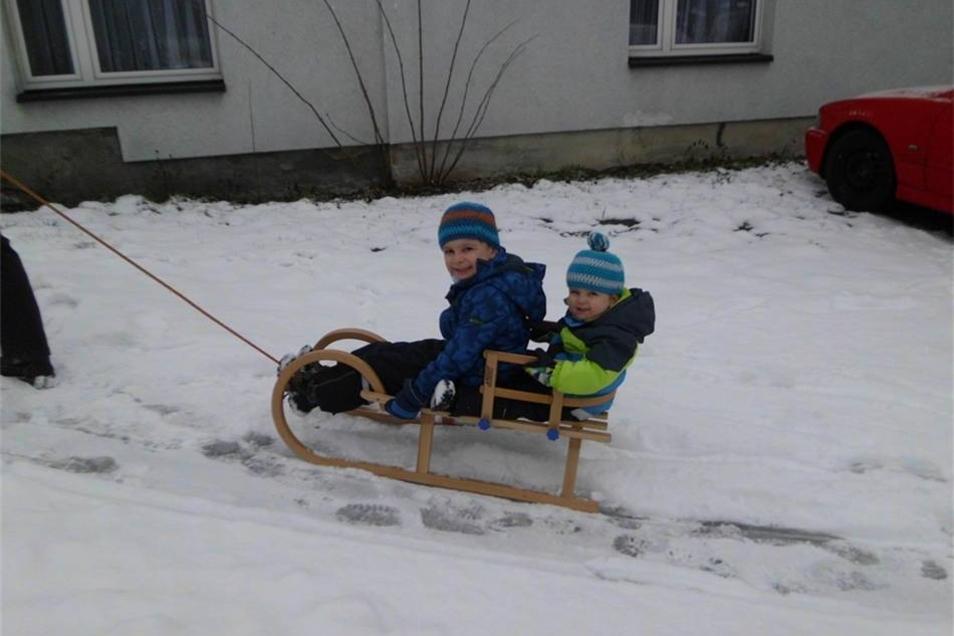Joshua und Jonah im Winterglück.