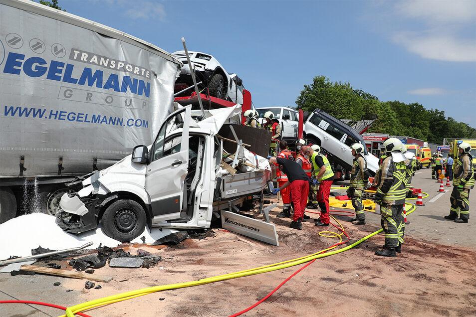 Die A4 ist wegen des schweren Unfalls Richtung Chemnitz gesperrt.