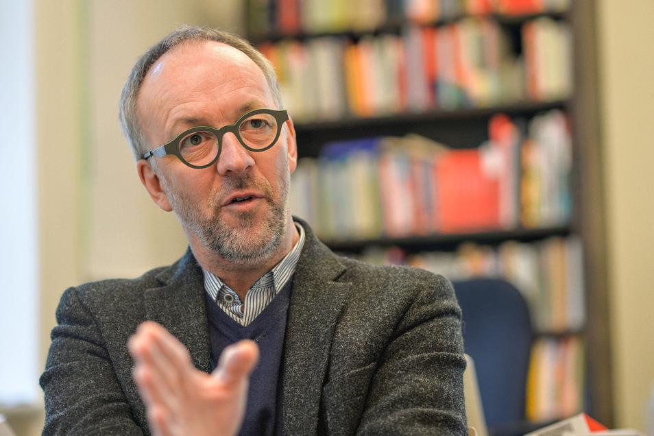 Pfarrer Christian Tiede spricht über die Auswirkungen der Coronakrise auf die Menschen und die Kirche.