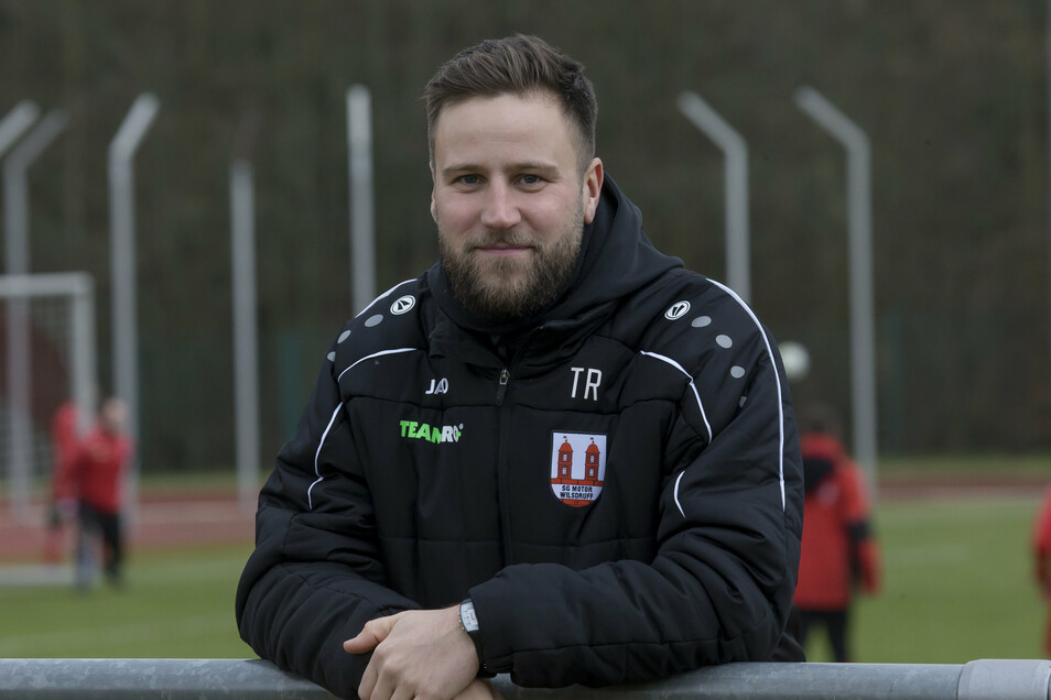 Hält Kleingruppen-Training, wie es bei den Profis derzeit wieder erlaubt ist, nicht für sinnvoll: Wilsdruffs Trainer Paul Rabe (31)