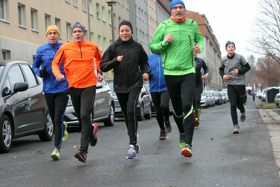 220 Sportler waren 2018 in Heidenau ins neue Jahr gelaufen. Der 45. Lauf wird nun um ein Jahr verschoben.