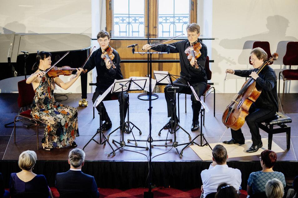 Auch der künstlerische Leiter Jan Vogler (re.) wird in diesem Jahr seinen Cello-Bogen schwingen.