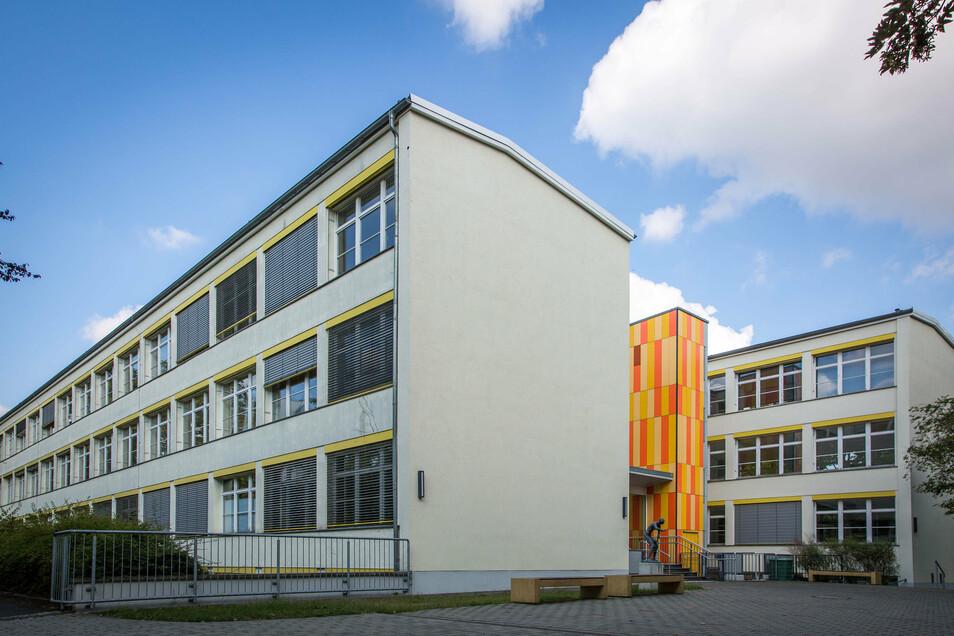 Das Bertolt-Brecht-Gymnasium sollte sich hier an der Lortzingstraße einen Campus mit der 101. Oberschule teilen. Dagegen gab es Protest.