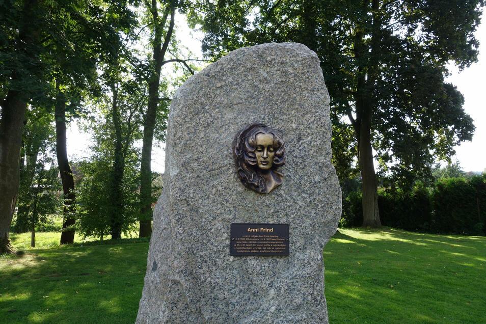 Das Denkmal für Anni Frind (1900-1987).