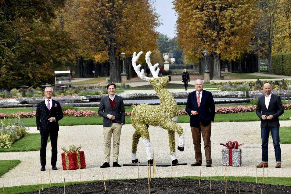 Diese Herren verantworten den Christmas Garden: Andreas Boehlke, Christian Diekmann, Christian Striefler sowie der Pillnitzer Schlossleiter Dirk Welich (v.l.nr.).