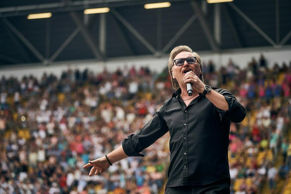 So kennen und lieben ihn die Fans: Nik P. will auch in diesem Jahr nach Löbau kommen. Noch ist das Konzert nicht abgesagt.