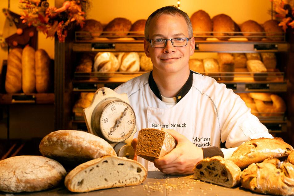 Vor zwölf Jahren hat Bäcker Marlon Gnauck die Rezepte geändert und das Sortiment umgestellt. Damit sichert er den Erfolg des kleinen Betriebs.