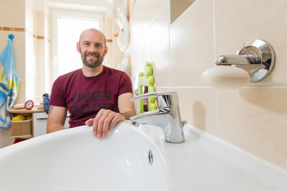 """Marcus Kampe aus Dresden: """"Seit vier Jahren waschen und duschen wir uns nur noch mit Bioseife – vor allem, um Verpackungsmüll und Mikroplastik in den Gewässern zu verhindern. Meine Kinder waschen sich damit auch ihre Haare, und ich rasiere mich damit."""""""
