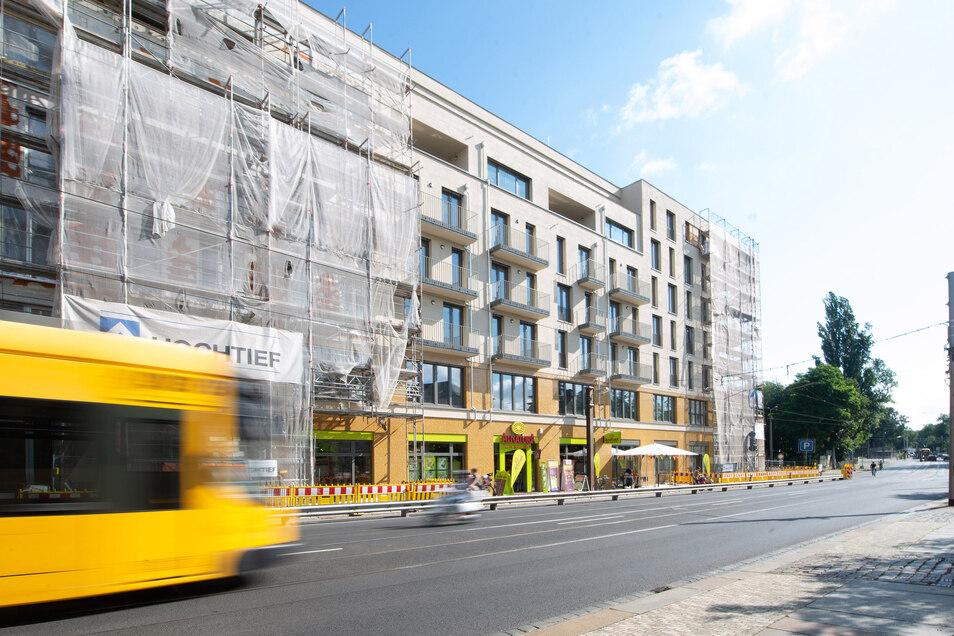 Im Neubau an der Bautzner Straße, Ecke Prießnitzstraße eröffnete am Donnerstag bereits ein Alnatura-Markt.