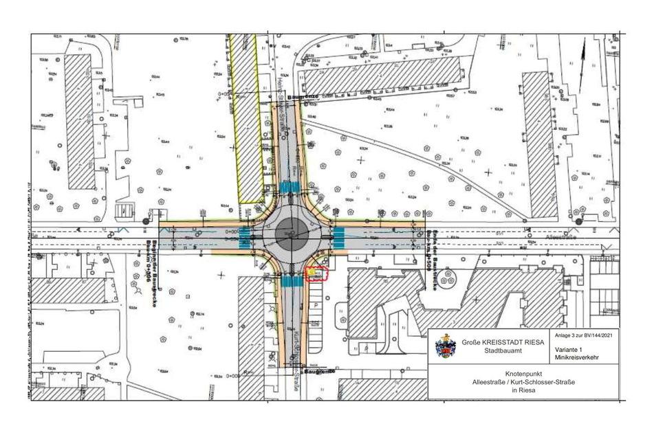 So sieht ein erster Entwurf der Stadt Riesa für einen möglichen Minikreisverkehr an der heutigen Kreuzung Allee-/Schlosser-/Steyerstraße aus. Blau hervorgehoben sind die Querungshilfen.