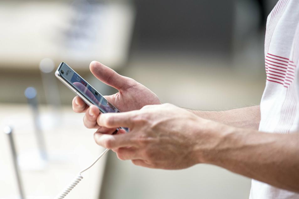 Schon die Auswahl des Telefons ist nicht ganz leicht. Noch schwieriger ist es, den richtigen Tarif zu finden.