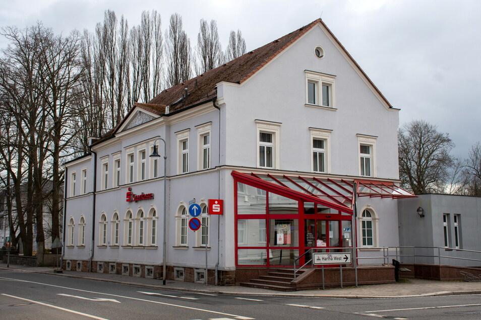 Die Sparkasse-Filiale in Hartha wird für 1,4 Millionen Euro von Mai bis November 2021 umgebaut und saniert.
