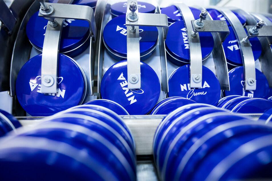 Die Produktionsstätte für Nivea-Cremes in Waldheim wird geschlossen, die Herstellung nach Leipzig verlegt.