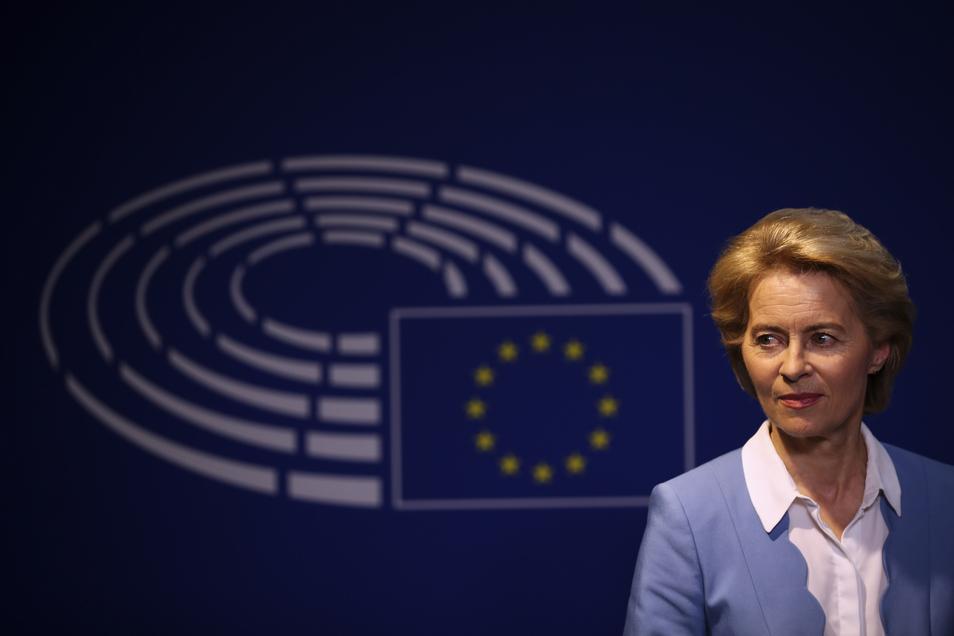 Ursula von der Leyen (CDU), Bundesministerin der Verteidigung und Kandidatin der Präsidentin der EU-Kommission, sucht noch nach Unterstützern.