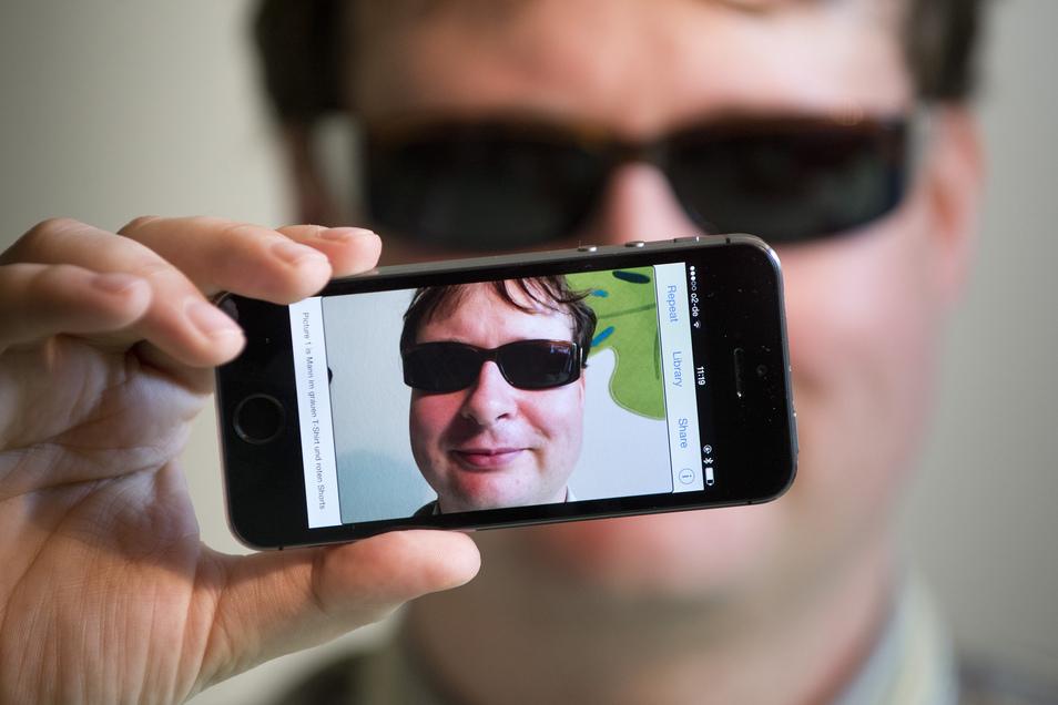Der Dresdner Informatiker Jan Blüher ist blind und entwickelt Apps für Sehbehinderte.
