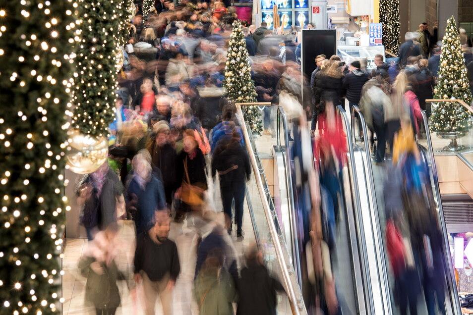 Einkaufen ist heute so einfach, aber eben oft auch unüberlegt. 24 Stunden ohne Shopping sollen dafür das Bewusstsein schärfen.