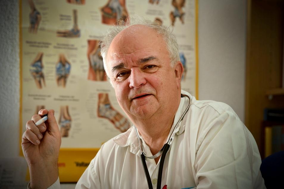 Der Niederoderwitzer Hausarzt Gottfried Hanzl wurde für sein Engagement ausgezeichnet.