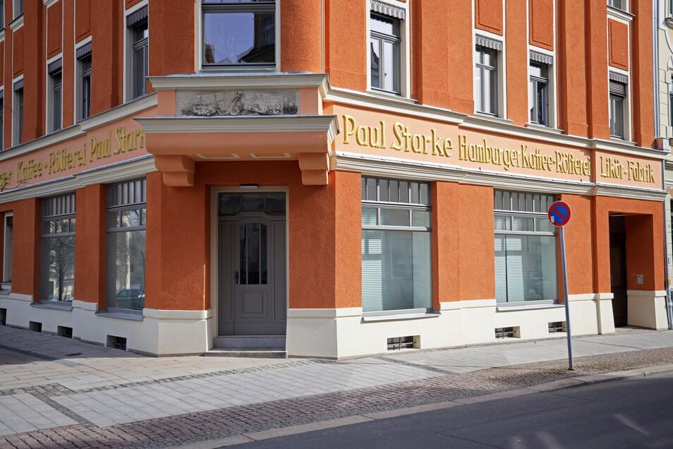 Im denkmalgeschützten Haus Kaffee Starke am Rathausplatz ist der SC Riesa seit diesem Jahr zu finden.