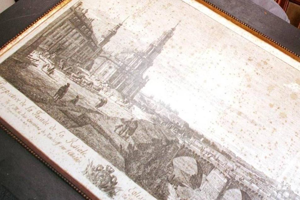 Nachdem 1935 die Wettiner die Nutzungsrechte für die Hofewiese zurückerhielten, wurde das Gebäude erweitert. Hier hing man Jagdtrophäen und Gemälde auf - darunter auch diesen Stich von Canaletto.