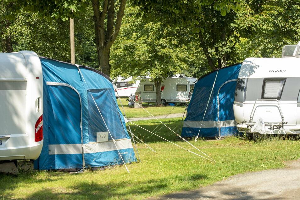 140 Stellplätze für Camper und Caravans gibt es auf dem Campingplatz Bad Sonnenland.