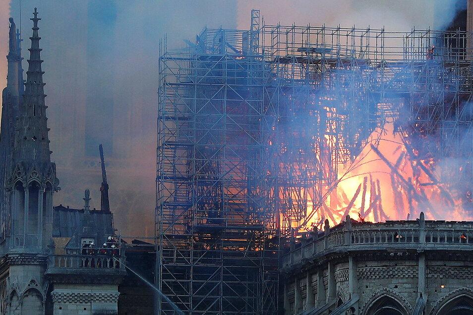 Am 15. April 2019 ging die weltberühmte Kathedrale auf der Pariser Île de la Cité in Flammen auf.