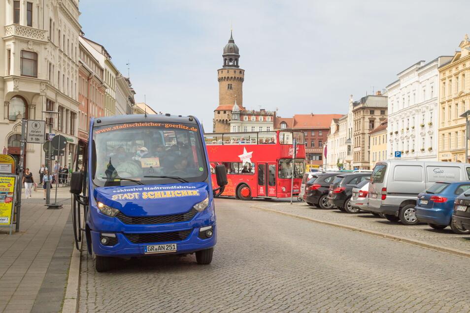 In Görlitz bieten verschiedene Unternehmen Stadtrundfahrten mit dem Bus an. Deshalb sind nun mehrere Standplätze notwendig.