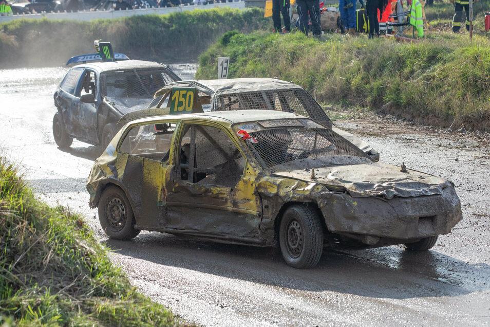 Auf solch packende Szenen beim Stock-Car-Rennen in Hartha sollen die Fans auch in diesem Jahr möglichst nicht verzichten.