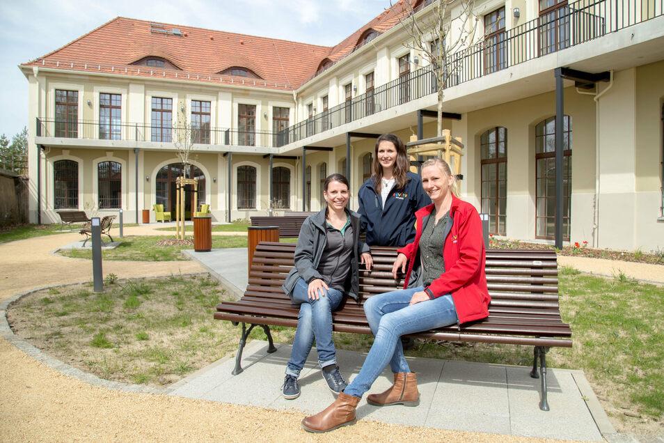 Lucia Posselt, Anne Krems und Mandy Zagorski gehören zum Team von Advita in der alten Post am Bahnhof.