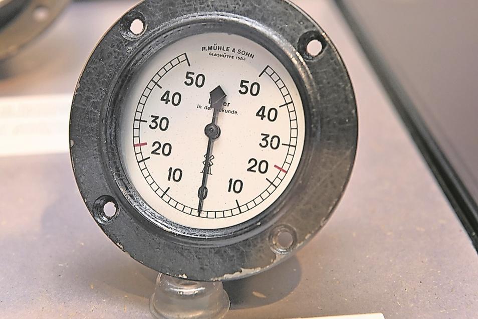Bilderzähler aus der Stummfilmzeit: Das ist ein Bildschrittzähler, gebaut 1920. Mit dem Gerät wurde die Geschwindigkeit von Filmprojektoren bestimmt.