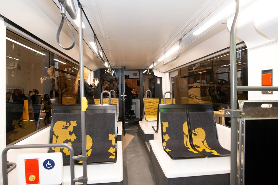 Panoramafenster, große Sitze - so soll es in der neuen Straßenbahn aussehen.