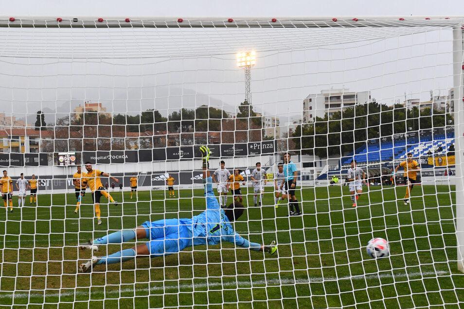 Niklas Kreuzer erzielte per Elfmeter imEstadio Municipal in Marbella den Endstand zum 3:0.