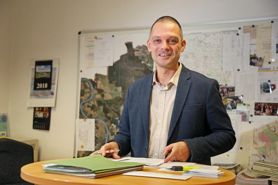 Ralf Hänsel wird auch zukünftig das Chefbüro im Zeithainer Rathaus nutzen.