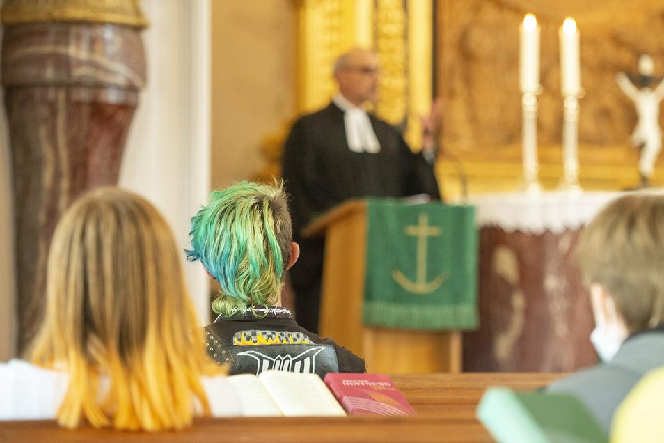 """Gottesdienst in der Moritzburger Kirche. Am Montag wurde hier das neue Schuljahr der Evangelischen Schule für Sozialwesen """"Hans Georg Anniès"""" eröffnet."""