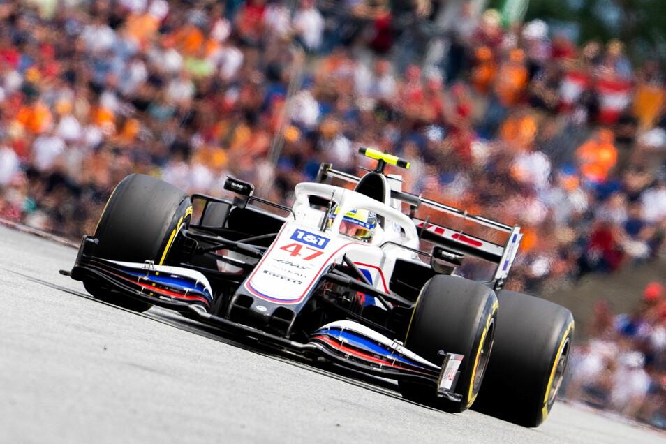 Mick Schumacher aus Deutschland vom Team Haas kam vor seinem Teamkollegen ins Ziel.