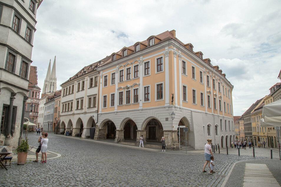 Der Braune Hirsch ist eines der größten Hallenhäuser in Görlitz.