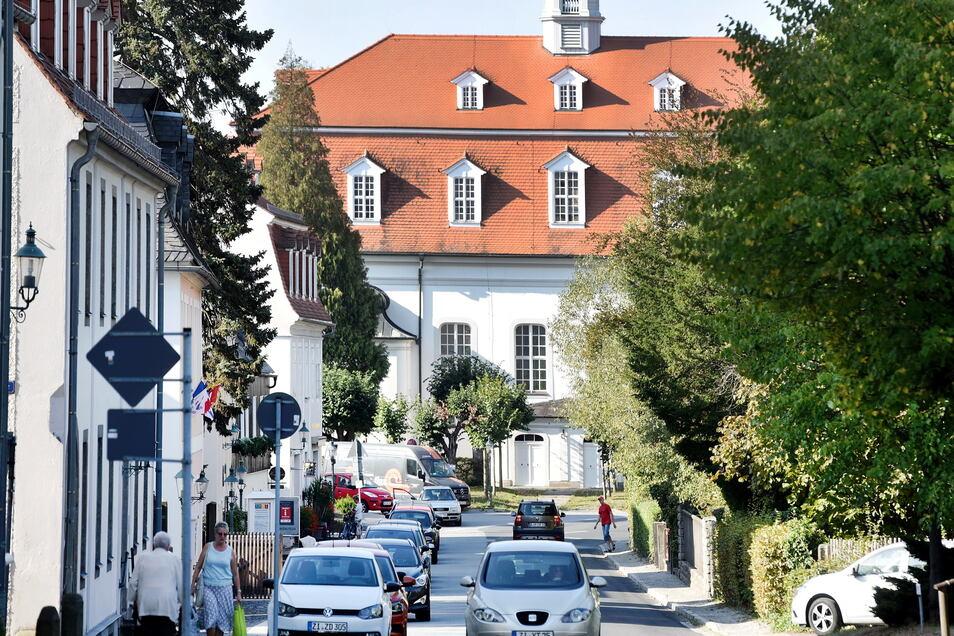 Einen Parkplatz in Herrnhuts Zentrum mit seinen engen Straßen zu finden, ist nicht immer einfach.